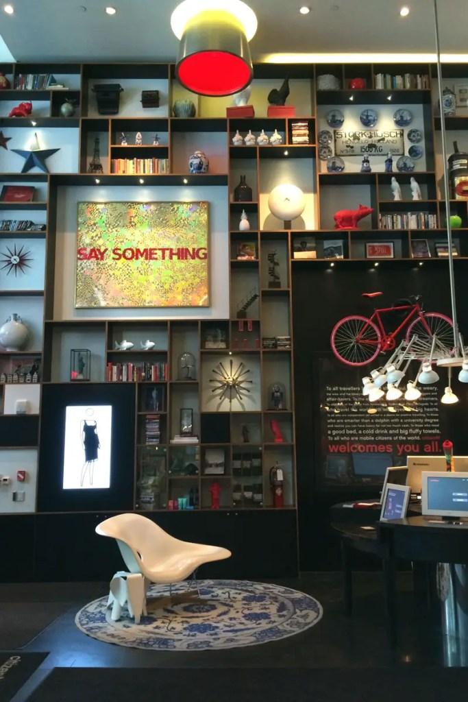 Kunst und Design im Eingangsbereich vom citizenM in New York