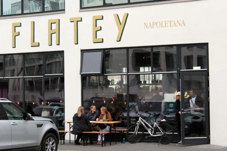 Viele Restaurants haben sich im alten Hafenviertel Grandi angesiedelt
