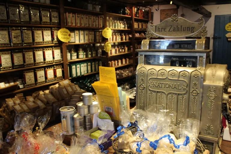 Im Alten friesischen Teehaus findest du Tee aus aller Welt