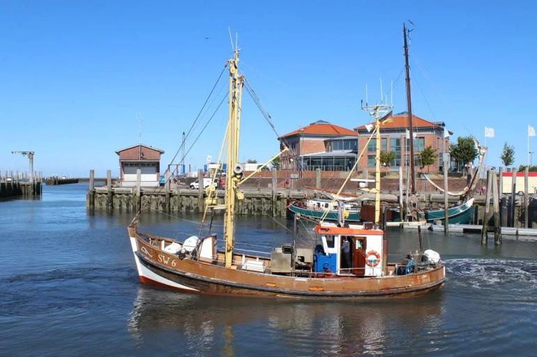 Auch die Fischer starten vom Hafen in Wyk