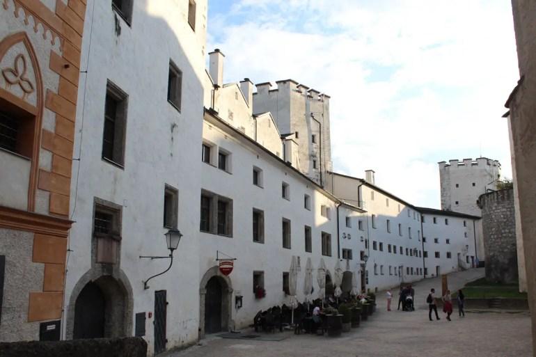 Wenn am Abend die Tagesbesucher gegangen sind, wird es ruhig auf der Festung Hohensalzburg
