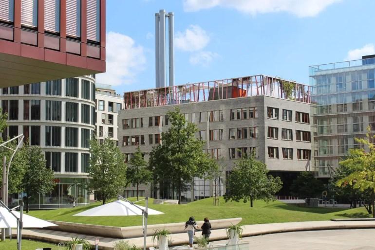 Moderne Architektur: Der Spielplatz der Katharinenschule befindet sich auf dem Dach
