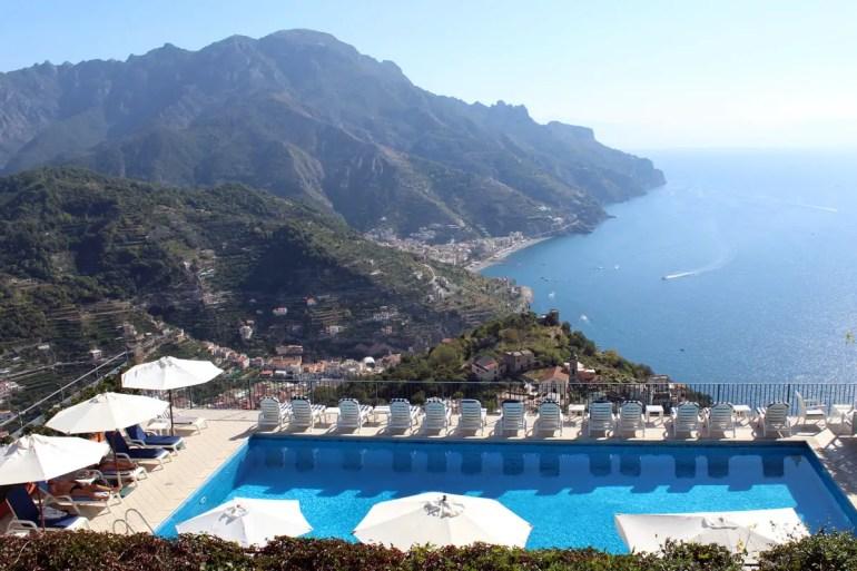 Relaxen mit Ausblick, das geht an der Amalfiküste auch im Spätsommer ganz wunderbar