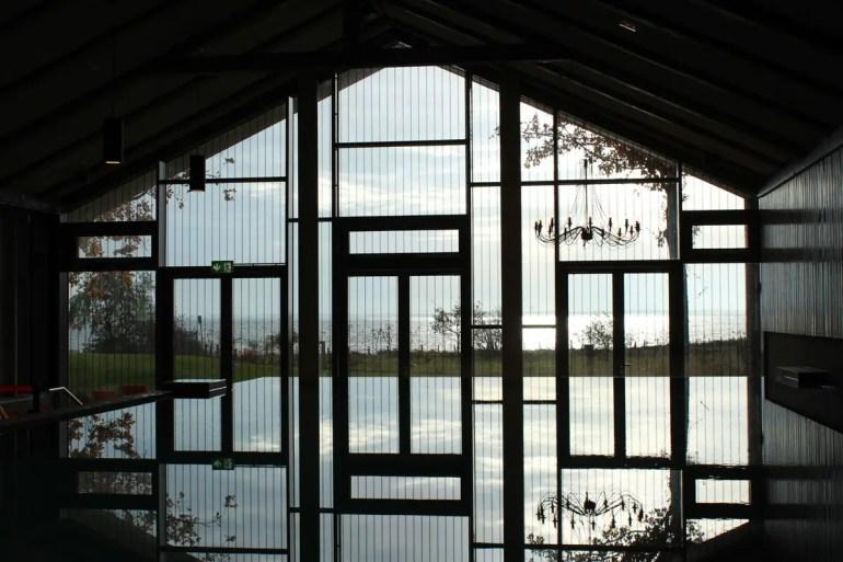 Schwimmen mit Blick auf die Ostsee: Möglich im Arborea in Neustadt
