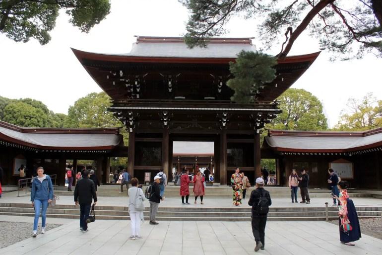 Der Meiji-Jingu Schrein liegt mitten im Yoyogi Park