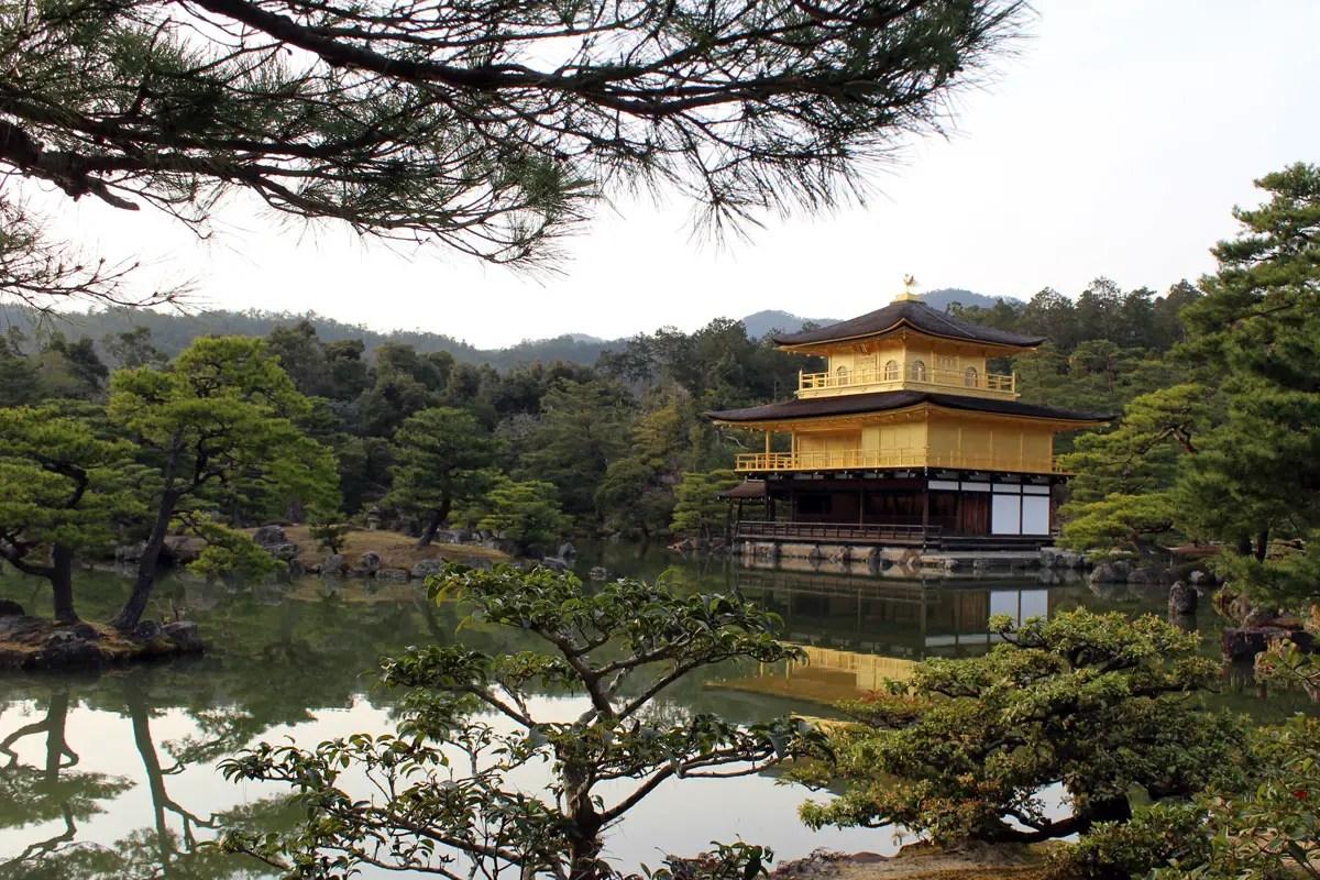 Ein Wahrzeichen von Kyoto: der Kinkakuji-Tempel