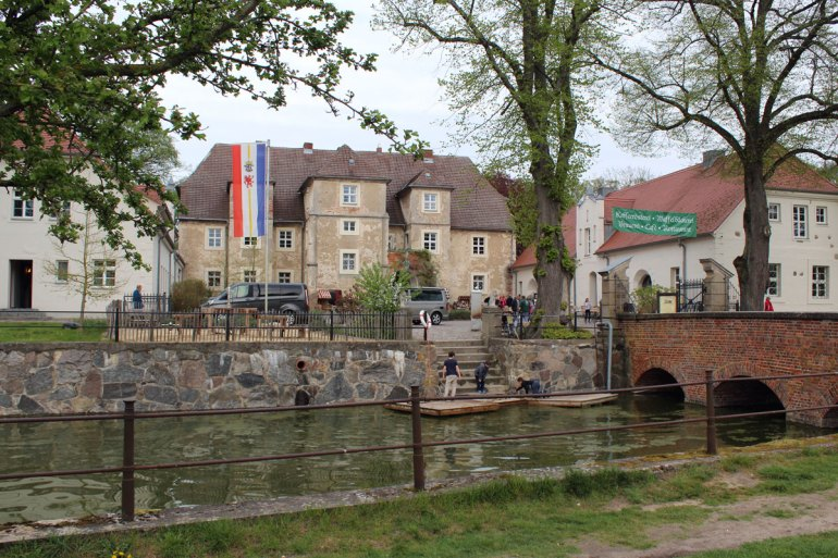 Romantisch: Das Wasserschloss in Mellenthin