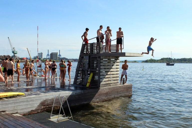 Summertime: der Sprungturm im Sorenga Sjobad