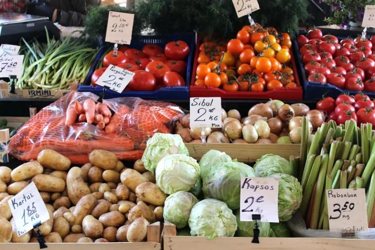 Gemüse in der Markthalle Balti Jaama Turg