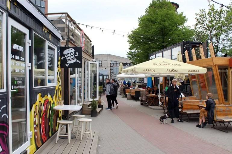 Im Containerviertel Depoo reihen sich Streetfood-Stände aneinander