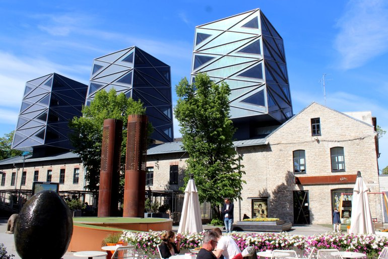 Das Rotermannviertel: alte Fabrikhalle und moderne Architektur