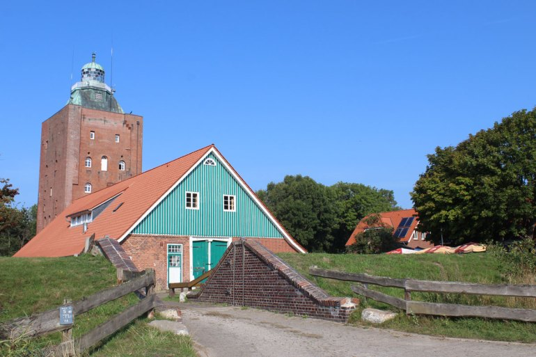 Die Turmwurt mit dem Leuchtturm ist das Zentrum der Insel