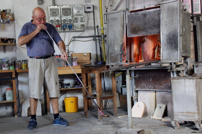 In Murano kannst du den Glasbläsern bei der Arbeit zuschauen