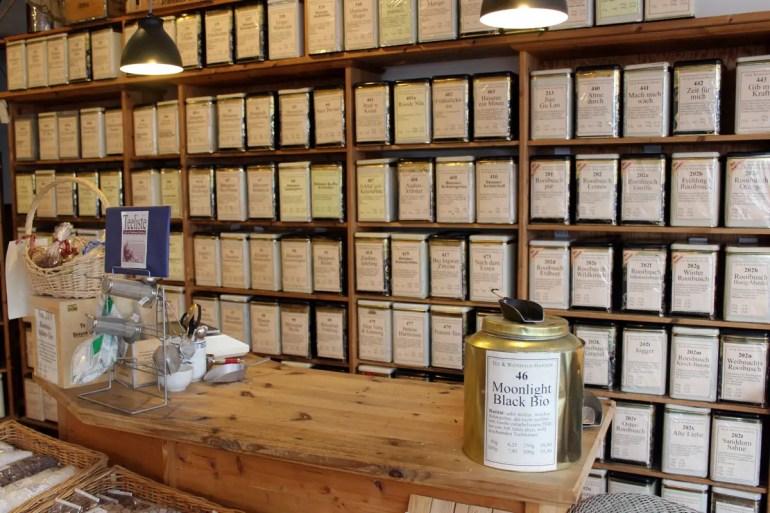 Teespezialitäten bekommst du im Teehaus Hansen