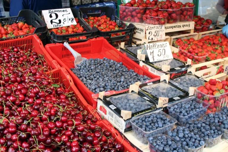 Frische Beeren auf Rigas Zentralmarkt