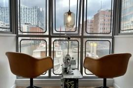 Der Ausblick aus dem ehemaligen Führerhaus auf die Elbphilharmonie ist traumhaft