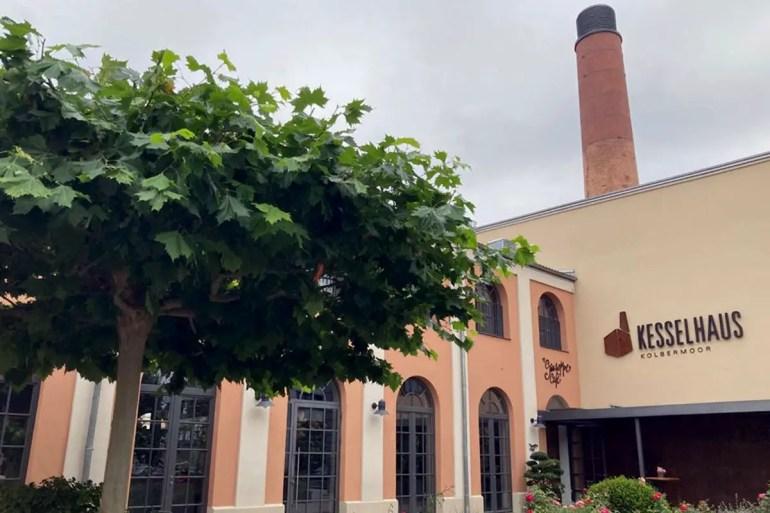 Die Alte Spinnerei in Kolbermoor bietet inzwischen zahlreiche Restaurants und Cafés
