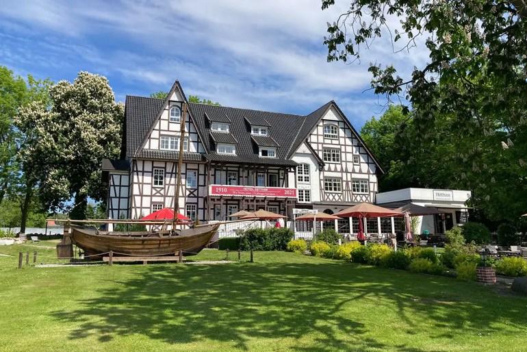 Unterkunft mit Geschichte: das Hotel Hitthim in Kloster