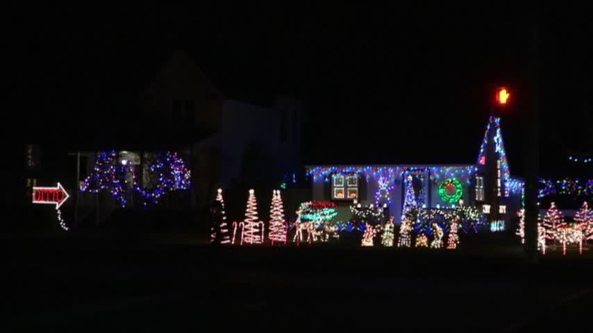 Ditto Christmas Lights_20151204223816