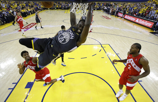 AP source: Warriors, Green agree on 4-year, $100M extension
