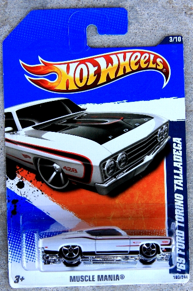 Hot-Wheels-69-Ford-Torino-Talladega-Preview-2011