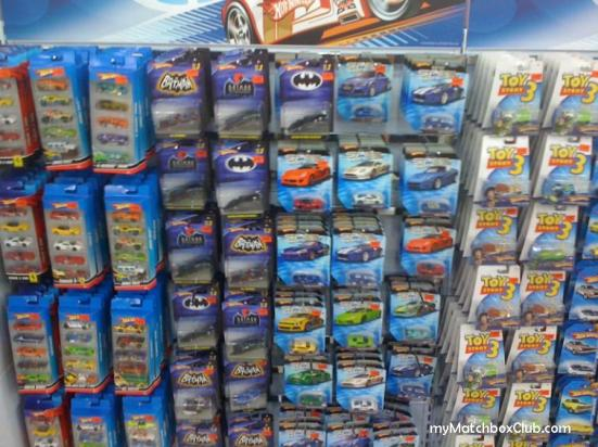ToysRus-Ikano-Power-Center-Curve-HotWheels-Aug-MemberSale2010