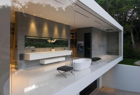 bathroom-with-large-transparent-glass-windows