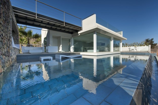 Recovery of a residence on the sea by MUHER 01