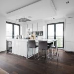 Warm and wealthy tone of flooring by Dennebos Flooring