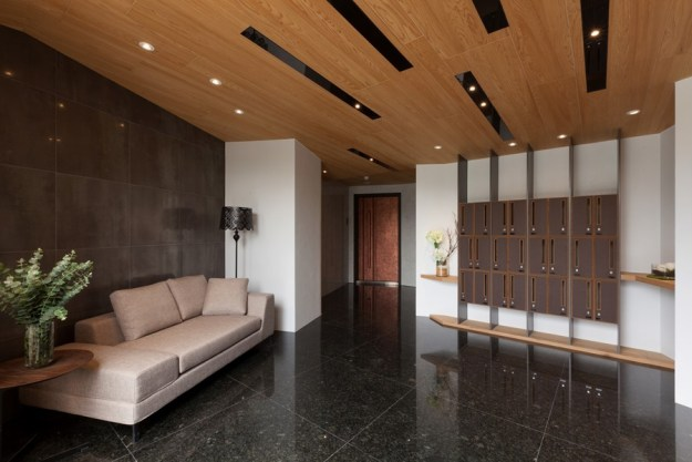 Concentrated residence the lobby to improve low ceiling for Design ideas for low ceilings