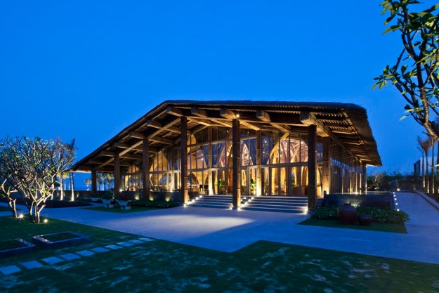 Naman Retreat Hay Hay Restaurant and bar by VTN Architects