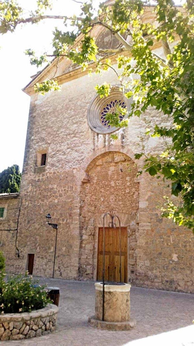 valldemossa-klooster-kerk
