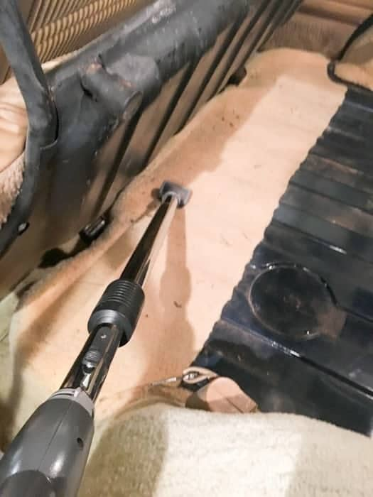 Soundproof - adding sound dampening material to a Jeep