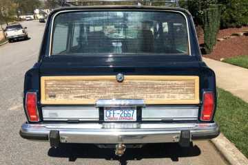 Grand Wagoneer Vinyl Woodgrain