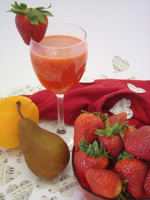 Strawberry Pear Orange Juice Recipe