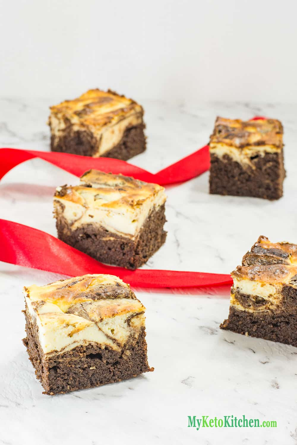 ketogenic chocolate cheesecake brownies