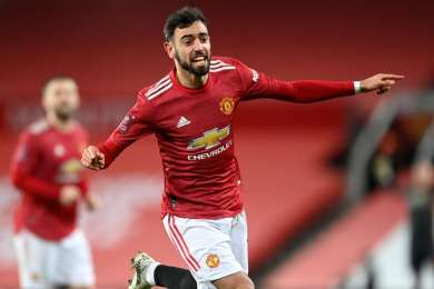 Manchester United 3-2 Liverpool: Fernandes free-kick settles superb cup tie