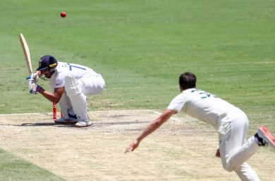Ban bouncers for U-18 players, urges concussion specialist