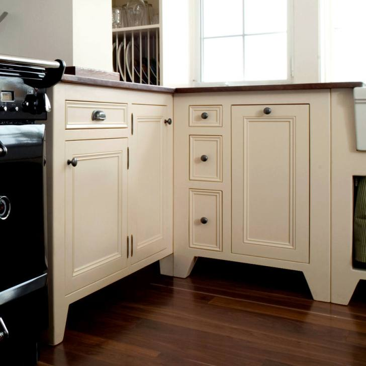 Standing Kitchen Cabinets