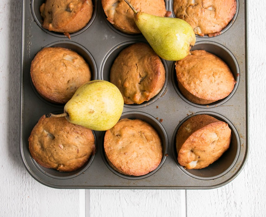 Muffins with Minis in Mind – Pear and Vanilla Muffins