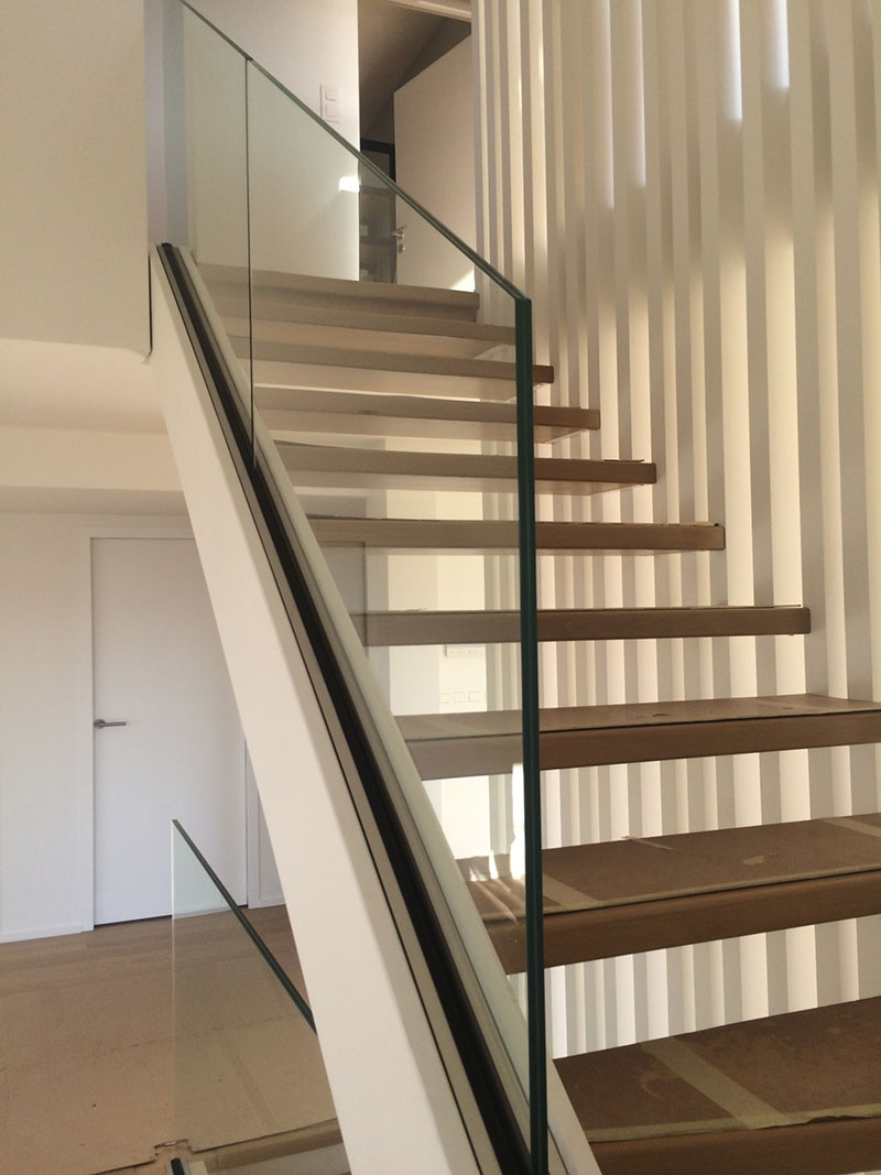Glass Stair Railing Both Aesthetic And Safe My Laminated Glass | Wooden Handrail With Glass | Oak | Square | Marble | Landing | Nautical Wood
