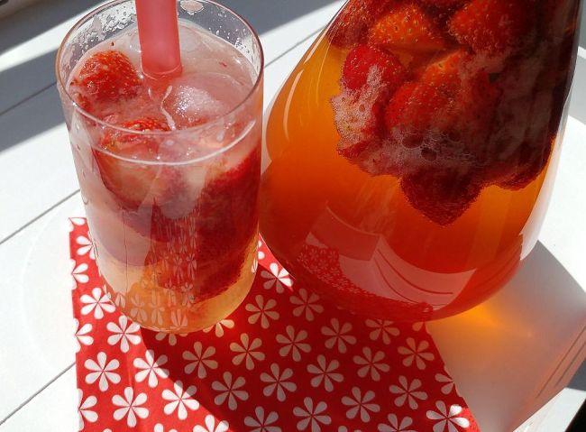 zomerse aardbeiencocktail