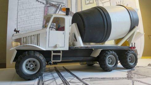 Concrete mixing truck