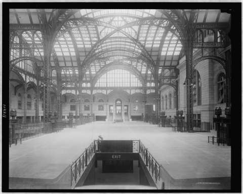 Concourse from south entrance in 1910