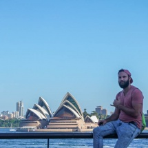 I in front of the opera house