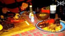 Asado - argentinisches Grillfest mit Fleisch und Wein