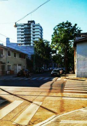 Kreuzung in Belgrano