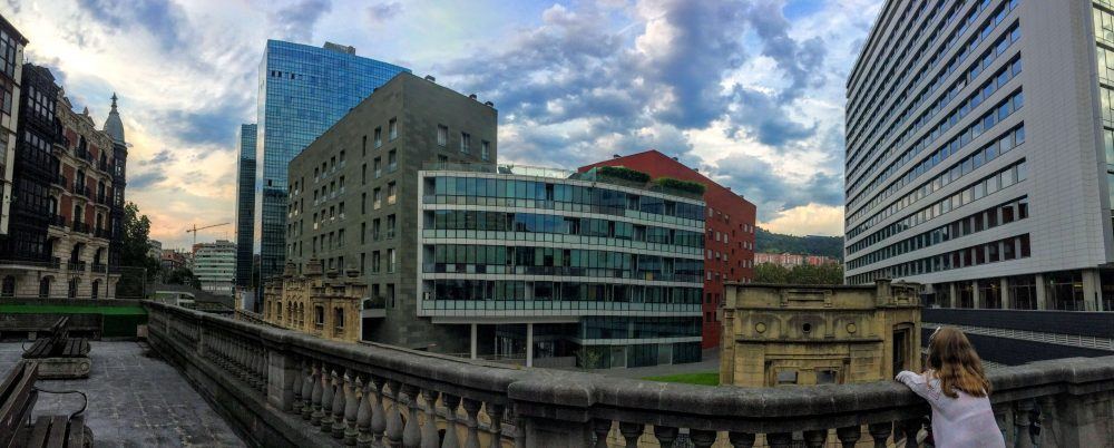 what is there to do in Abando Bilbao