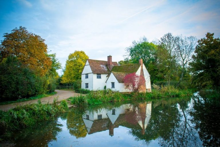 suffolk is a great alternative to the cotswolds - an area of england to visit near London