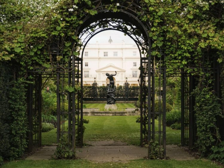 st johns lodge gardens is one of the quiet spots of london, a real hidden gem
